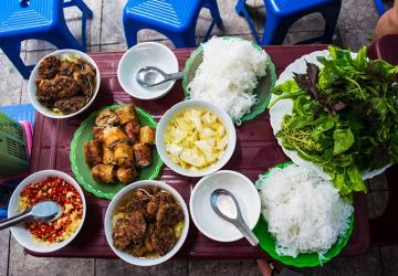 Vietnam Food Tour For Family 17 days