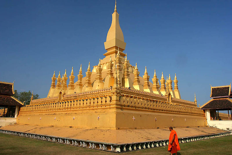 Holidays in Laos - Pha That Luang