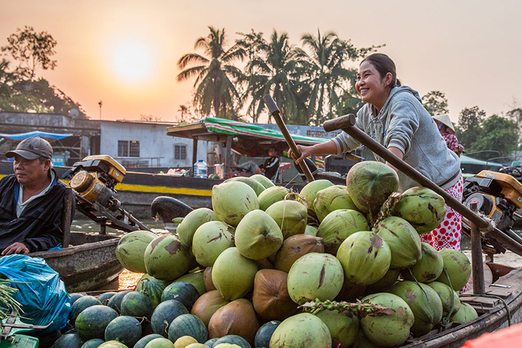 Floating Marketi Mekong Delta